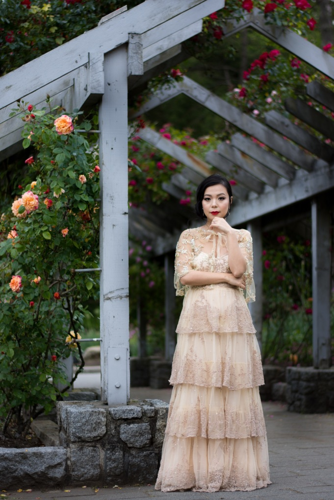 BHLDN ROSECLIFF GOWN DIY BEADED CAPELET ROSE GARDEN VANCOUVER STANLEY PARK WEDDING PHOTO