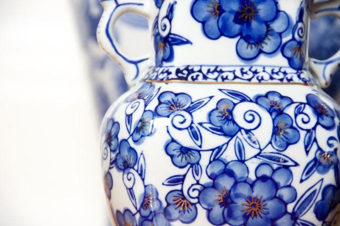 blue and white china porcelain pottery vase jar chinoiserie 3