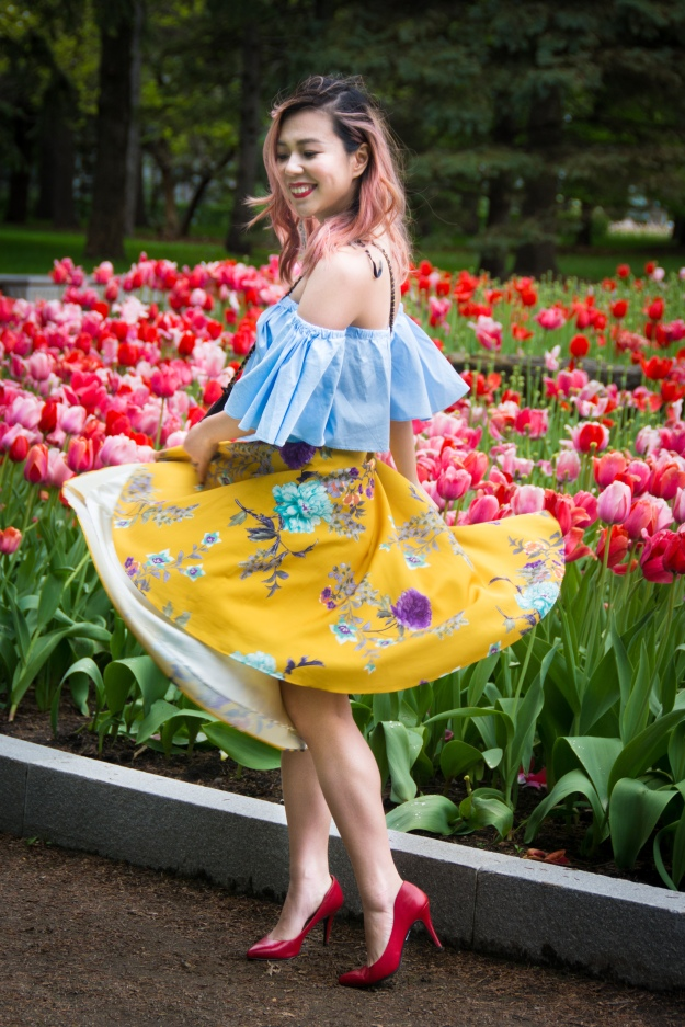 Montreal Botanical Gardens tulips Modcloth midi skirt Zara off-the-shoulder top embroidered clutch Le Chateau pumps heels spring fashion 2