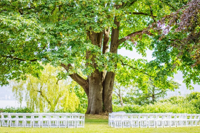 THE BROCKHOUSE LAWN WEDDING CEREMONY VANCOUVER