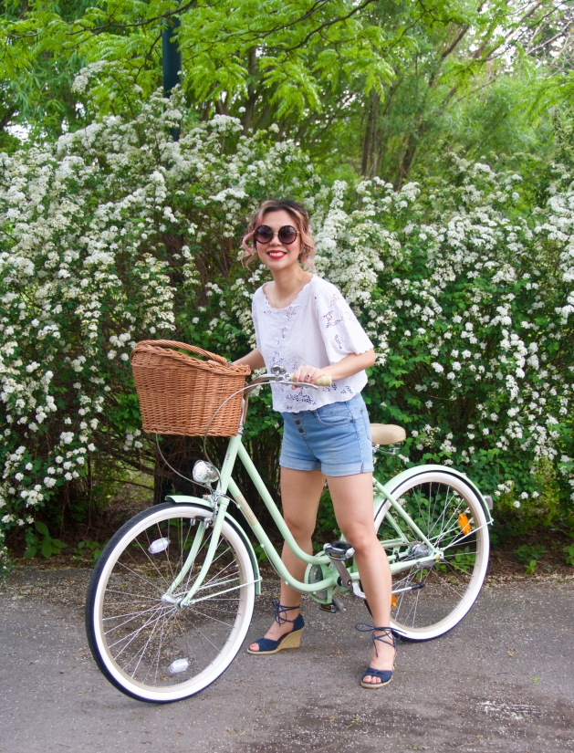 Creme Molly Dutch bike Pistachio cruiser H&M top high-waisted Primark denim shorts wedges Forever 21 sunglasses 3