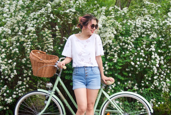 Creme Molly Dutch bike Pistachio cruiser H&M top high-waisted Primark denim shorts wedges Forever 21 sunglasses