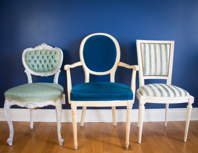 mismatched eclectic vintage dining chairs 4