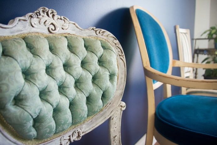mismatched eclectic vintage dining chairs 5