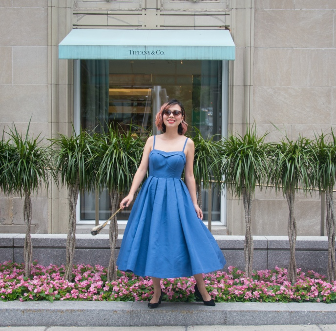 Ritz-Carlton Montreal high tea afternoon tea vintage retro fashion 50s midi dress Modcloth tapestry handbag cateye sunglasses 4