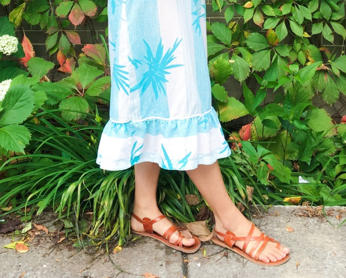 Vintage palm tree summer dress strappy sandals peonies fashion 3