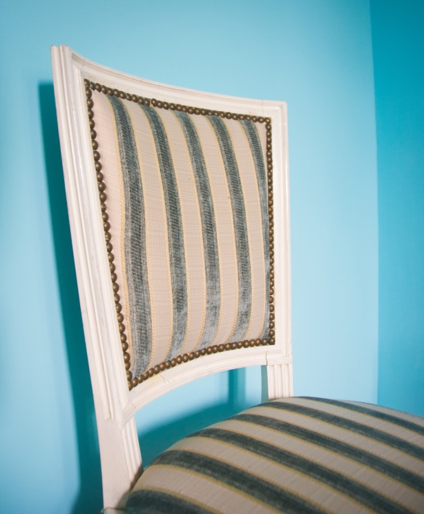 guest bedroom decor style interior decorating blue coral antique vintage chair