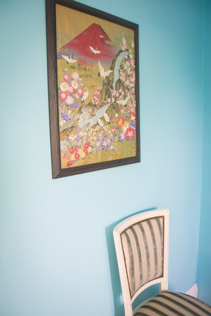 guest bedroom decor style interior decorating blue coral Japanese print vintage antique chair