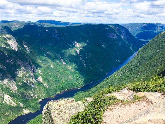 Parc National des Hautes-Gorges-de-la-Rivière-Malbaie hike L_ACROPOLE DES DRAVEURS