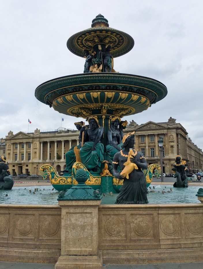 Paris travel Place de la Concorde fountain