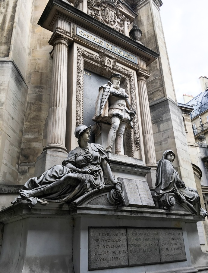Paris travel statues monument