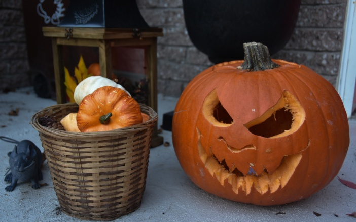Halloween outdoor decor jack-o-lantern