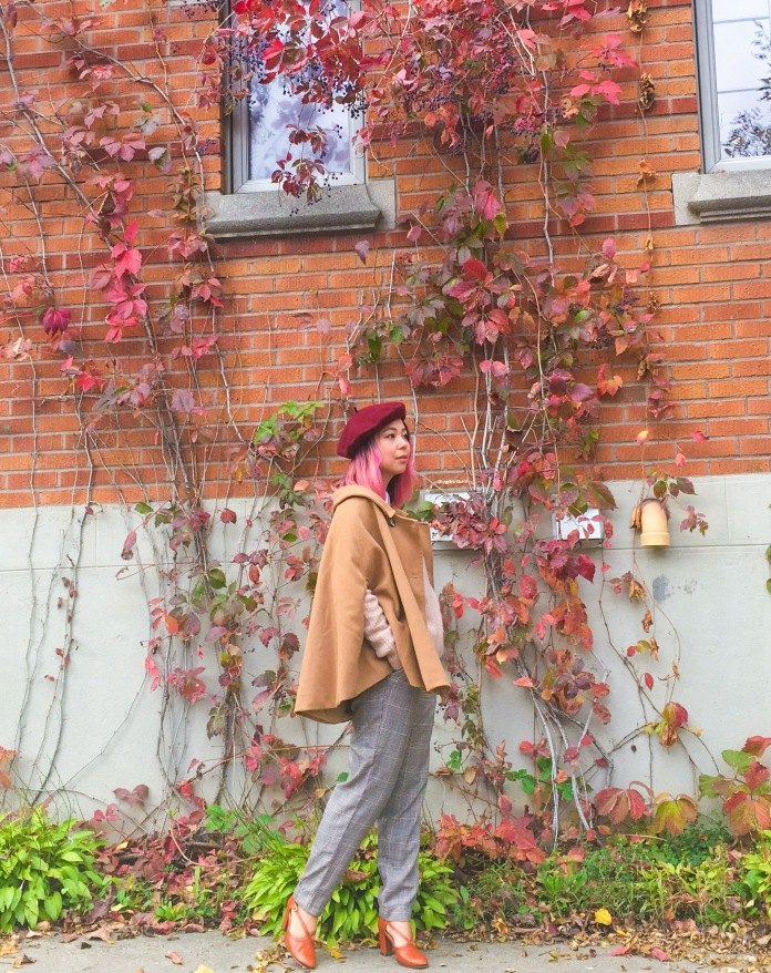 Simons burgundy beret camel cape H&M pink sweater collar button-down shirt checked menswear trousers vintage pumps fall autumn vines leaves fashion 4