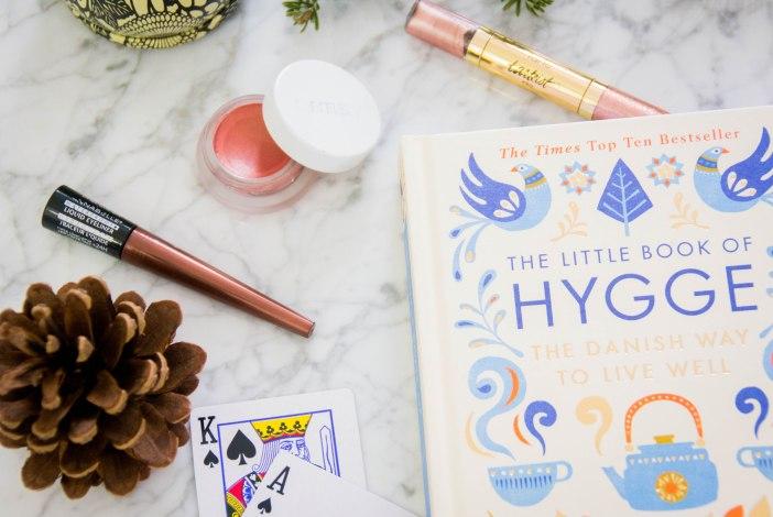 The Little Book of Hygge Tarte Tarteist Glitter Liner rose gold RMS Beauty lip2cheek promise AnnabelleWaterproof Liquid Liner bronze Texas Hold'em poker favourites