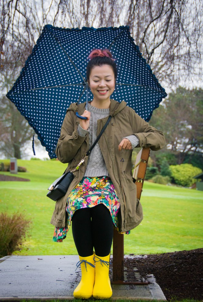 Crocs Freesail Shorty rain boots Zara floral dress Forever 21 knit sweater polka dot umbrella spring fashion 2