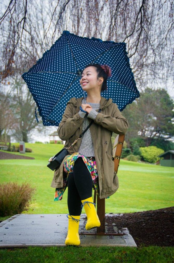 Crocs Freesail Shorty rain boots Zara floral dress Forever 21 knit sweater polka dot umbrella spring fashion 3