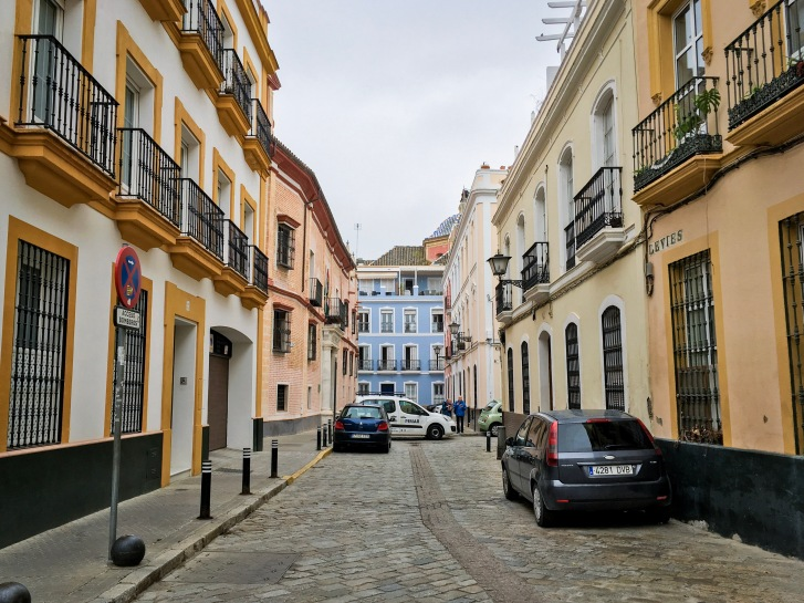 colourful street Spain travel Montreal lifestyle fashion beauty blog 2